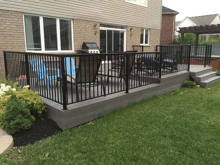 Custom Decks Amp Fences In Kitchener Waterloo Yard Worx